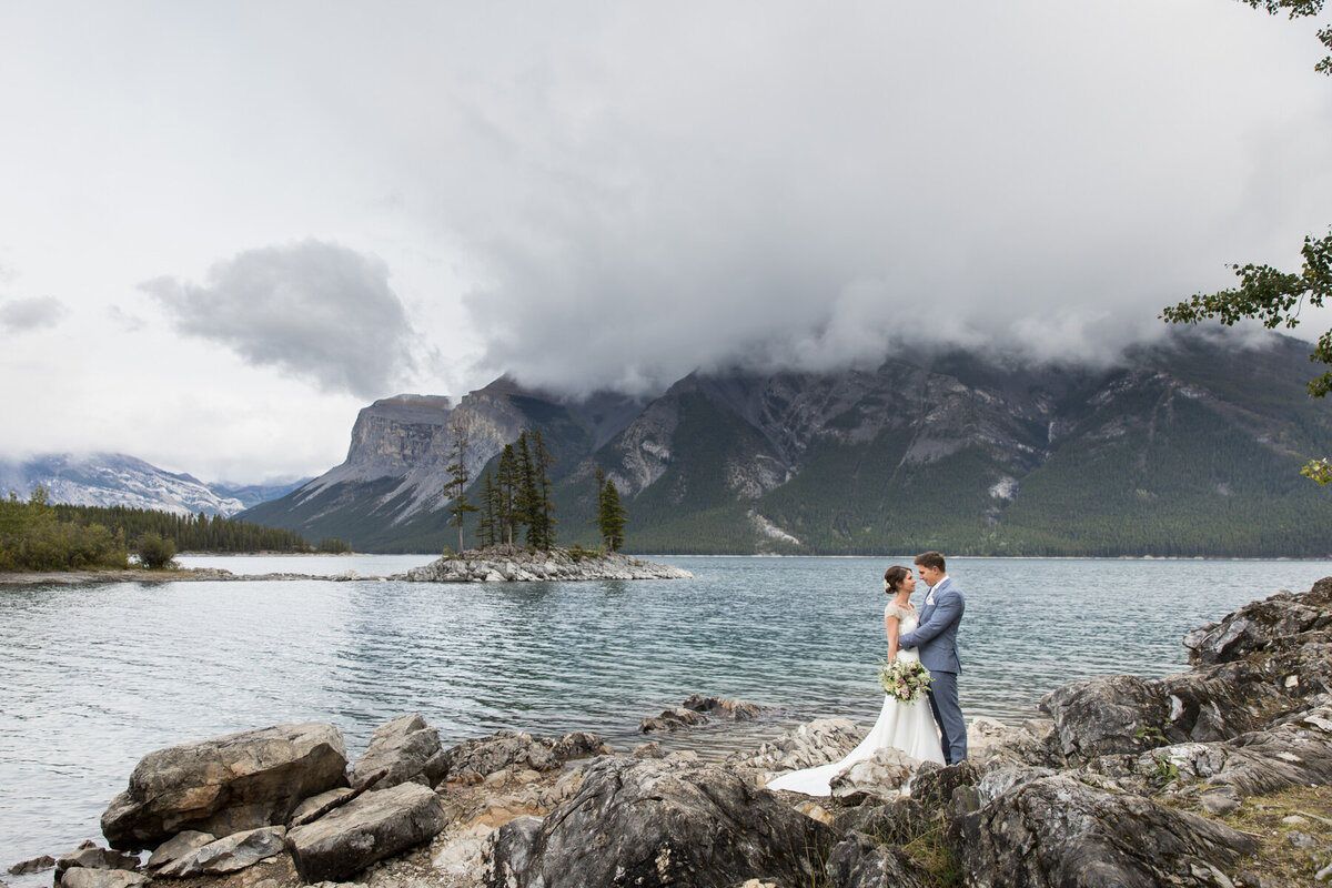 Lake Minnewanka Wedding Photos - Banff Wedding Planner