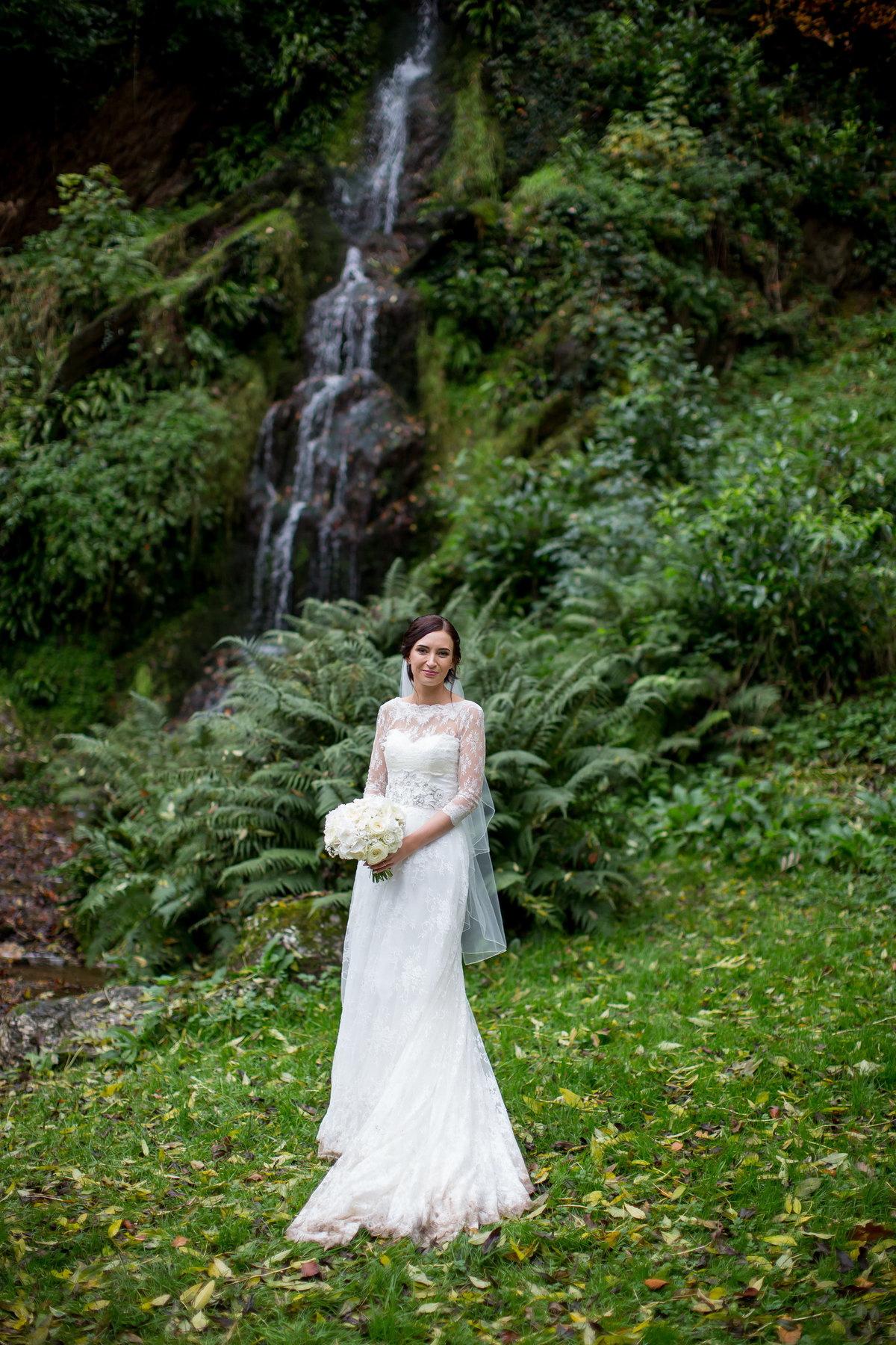 hestercombe gardens wedding photo natural by cascade bride