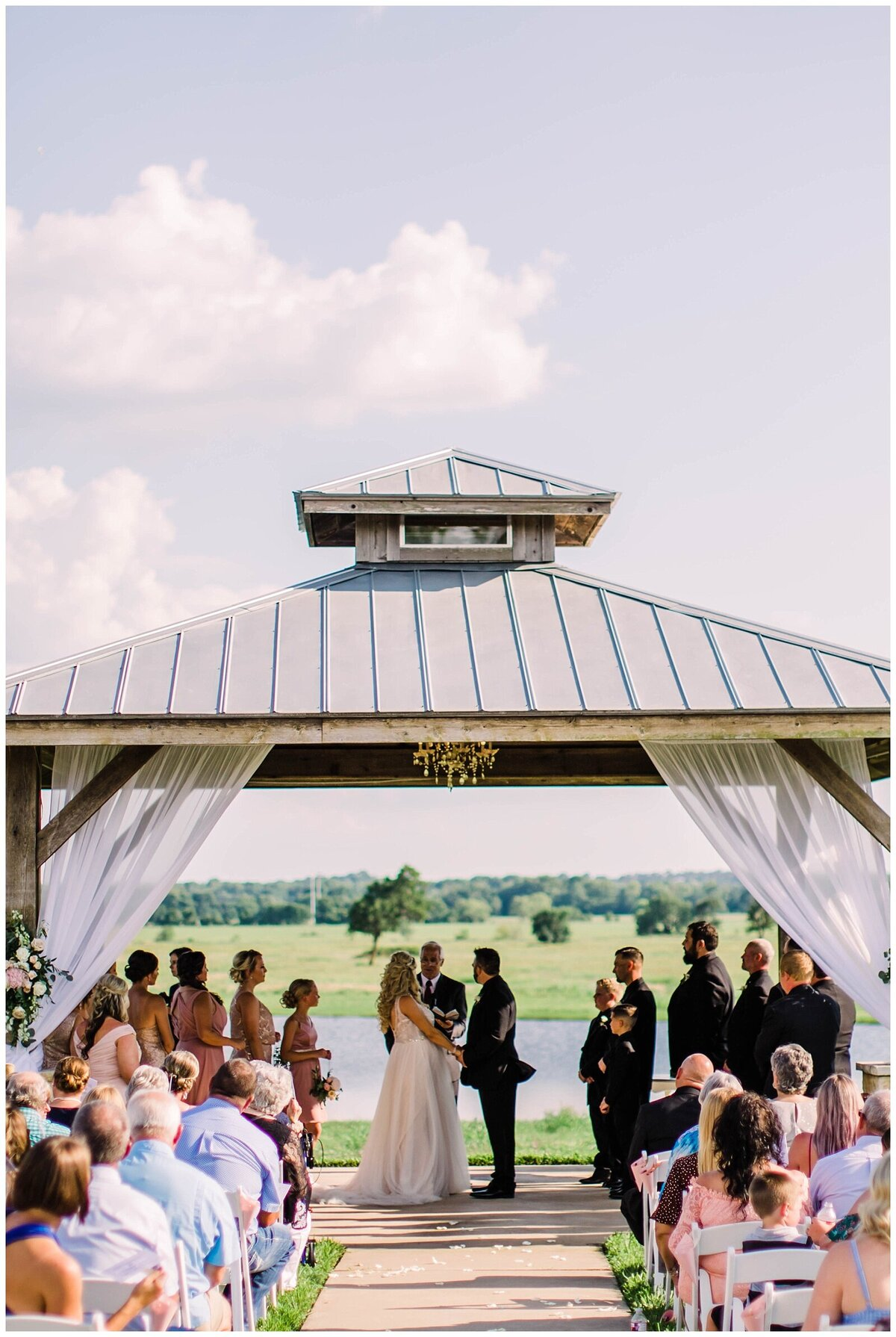 Houston Wedding Planner for Vintage Blush Floral Hoop Inspired Wedding at Emery's Buffalo Creek- J. Richter Events_0016