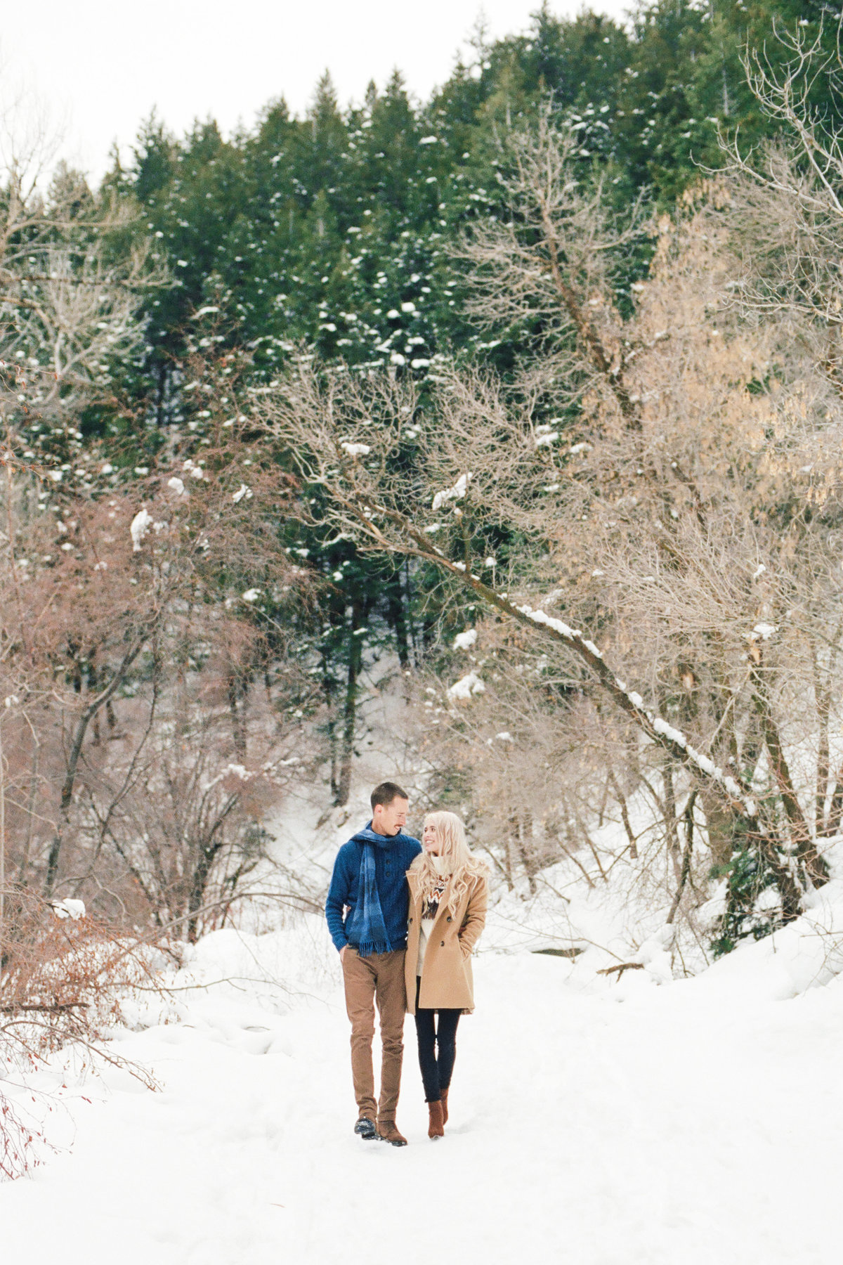 winter-engagement-salt-lake-city-snow-photo