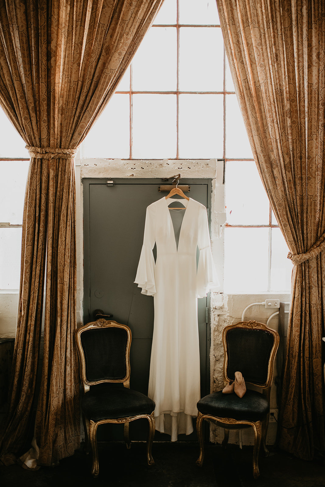 Britty + Beau - Elopement - The Ruins_ Seattle_ WA - Kamra Fuller Photography - Runaway With Me Elopement Collective-29