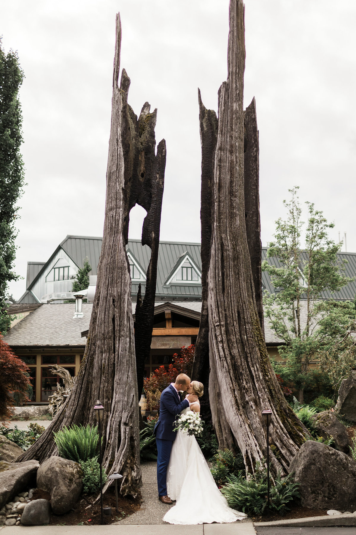 Woodinville-Wedding-Photographer-Willows-Lodge-39
