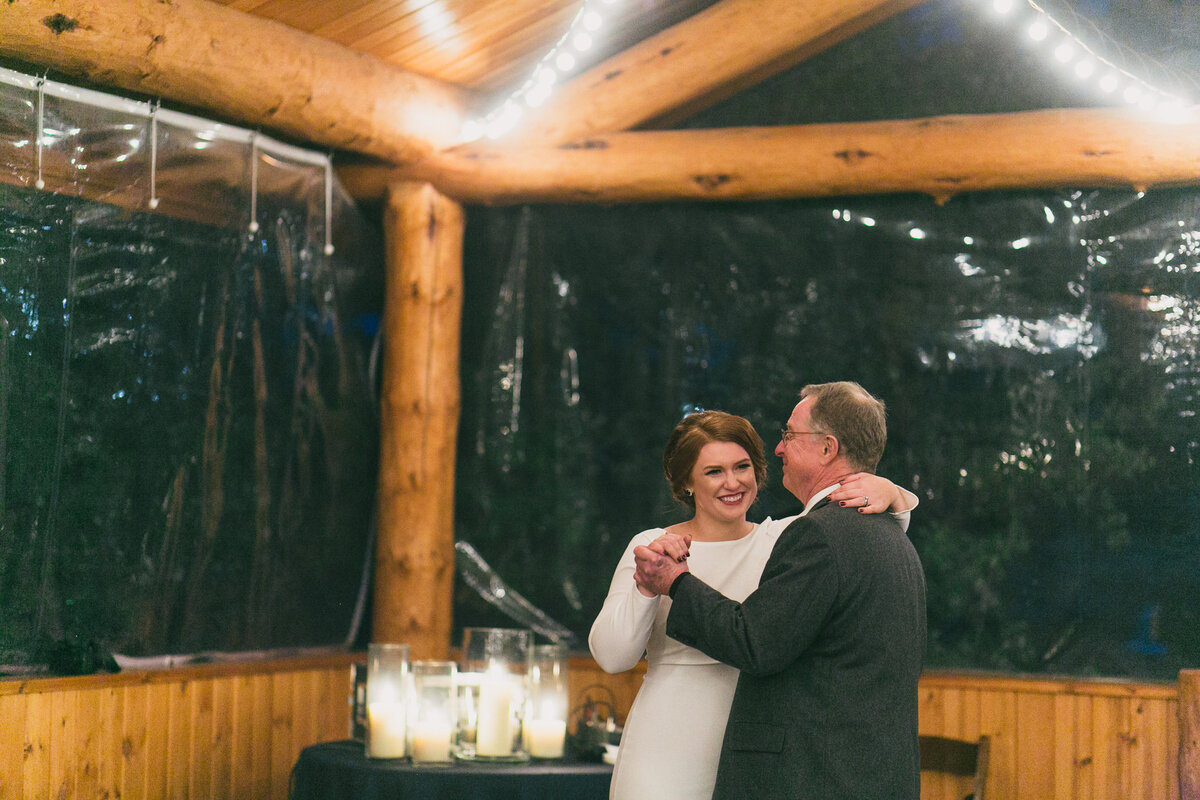 Jennifer_Mooney_Photography_Abbey_Stephen_Fall_Winter_Glacier_Park_Elopement-201
