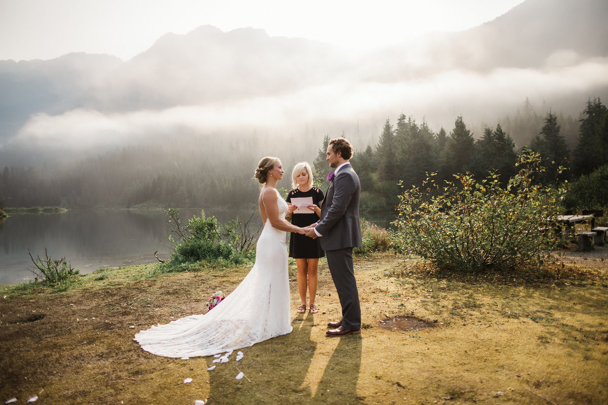 Snoqualmie-Pass-Elopement-Gold-Creek-Pond-55
