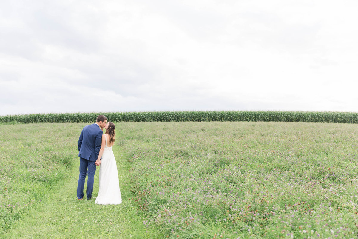 summer-barn-wedding-Katie-schubert-wisconsin-wedding-photographer-188
