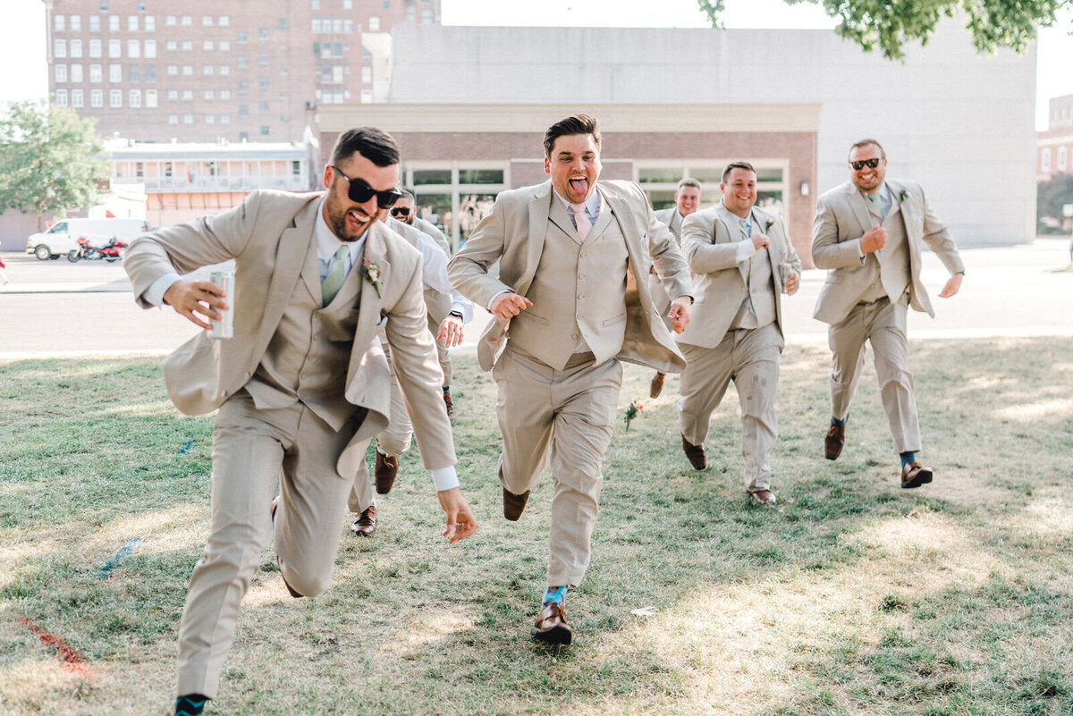 beer-run-wedding-celebration-iowa-wedding-photographer