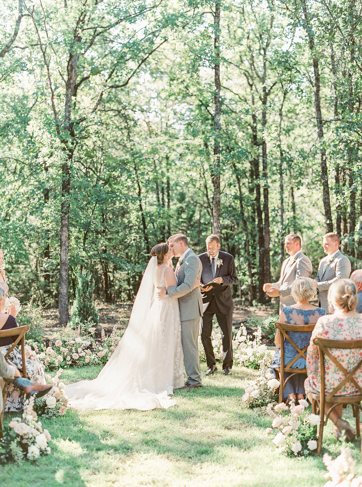 White Sparrow Barn_Lindsay and Scott_Madeline Trent Photography-0093