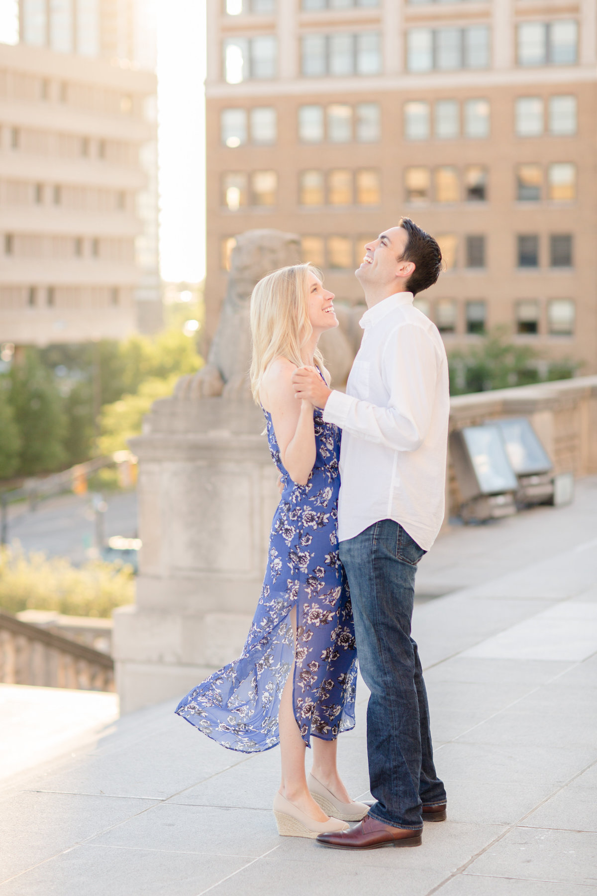 Indianapolis War Memorial Downtown Engagement Session Sunrise Sami Renee Photography-23