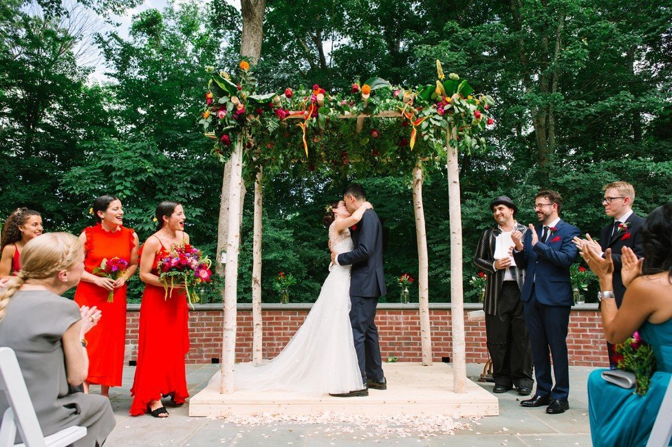 468-colorful-fiesta-backyard-wedding-ct-wedding-planner-977x650