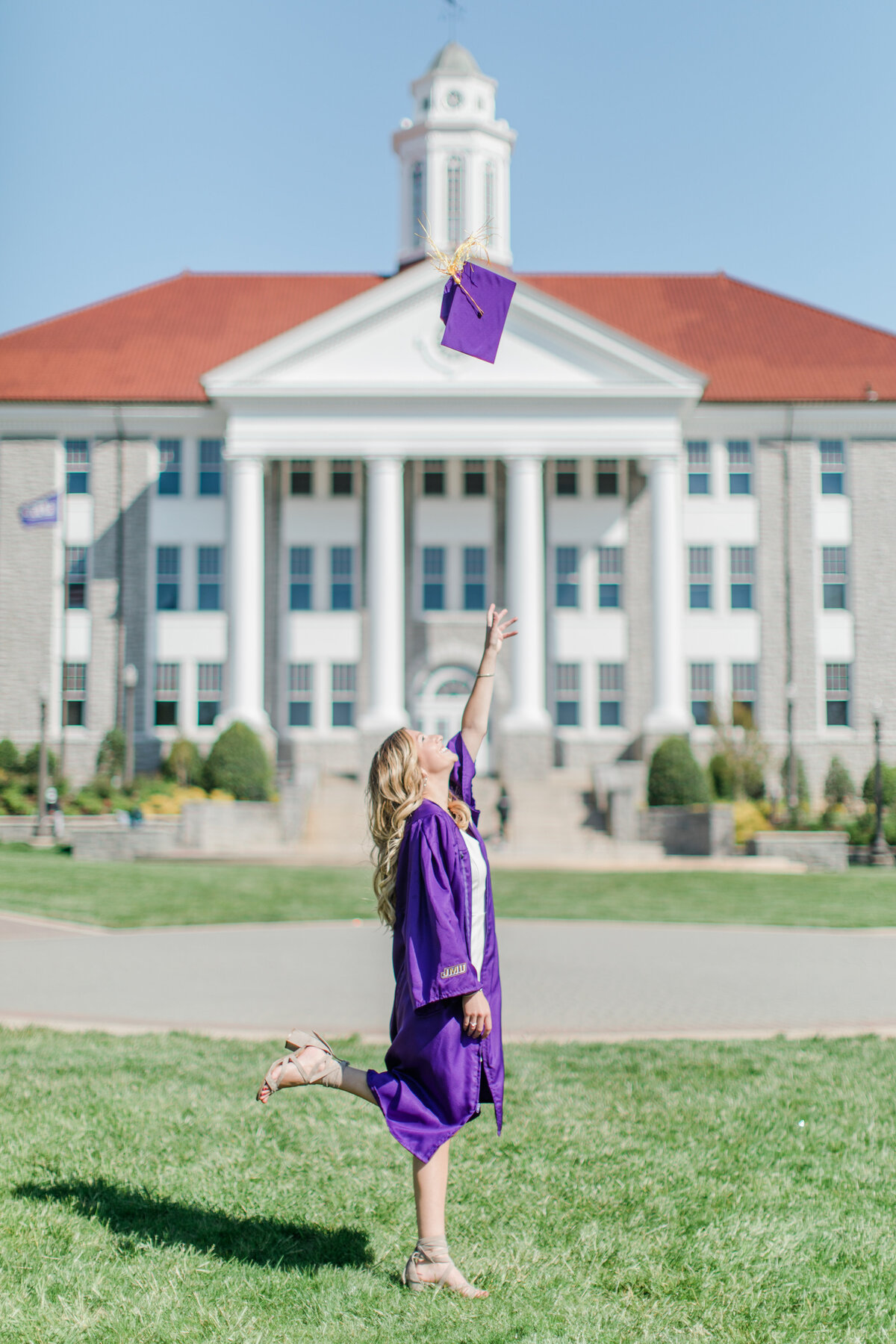 Brooke_Gore_JMU_Senior_Graduation_Session_2020_Angelika_Johns_Photography-2457