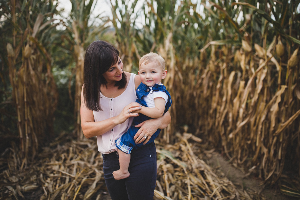 southwest-virginia-mom-baby-cornfield-photos