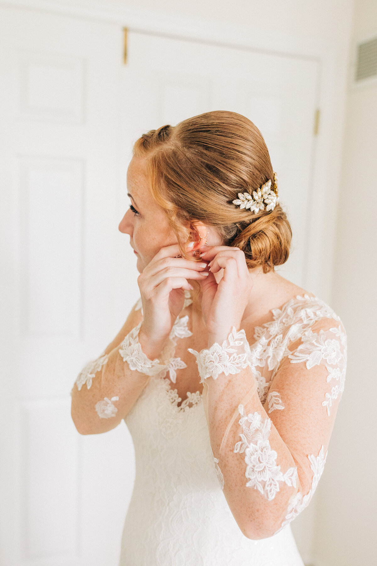 Dorothy_Louise_Photography_Sam_Nick_St_Charles_Le_Belle_Coeur_Wedding_Getting_Ready-60