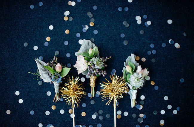 blue grey winter wedding flowers