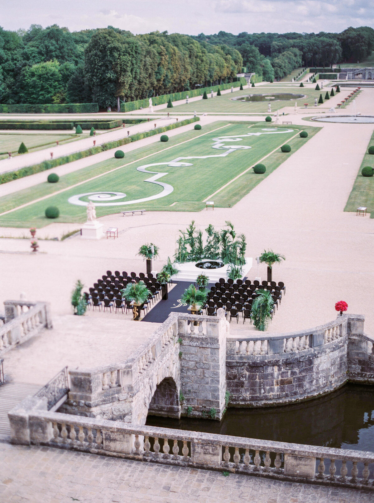 vaux-le-vicomte-luxury-wedding-phototographer-in-paris (38 of 56)