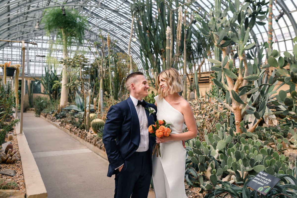 garfield-park-conservatory-chicago-wedding-the-paper-elephant-0016
