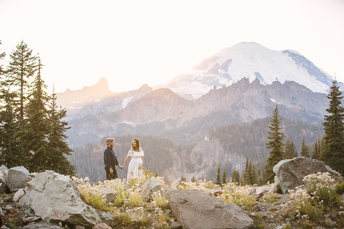 Mount-Rainier-National-Park-maternity-photos-004