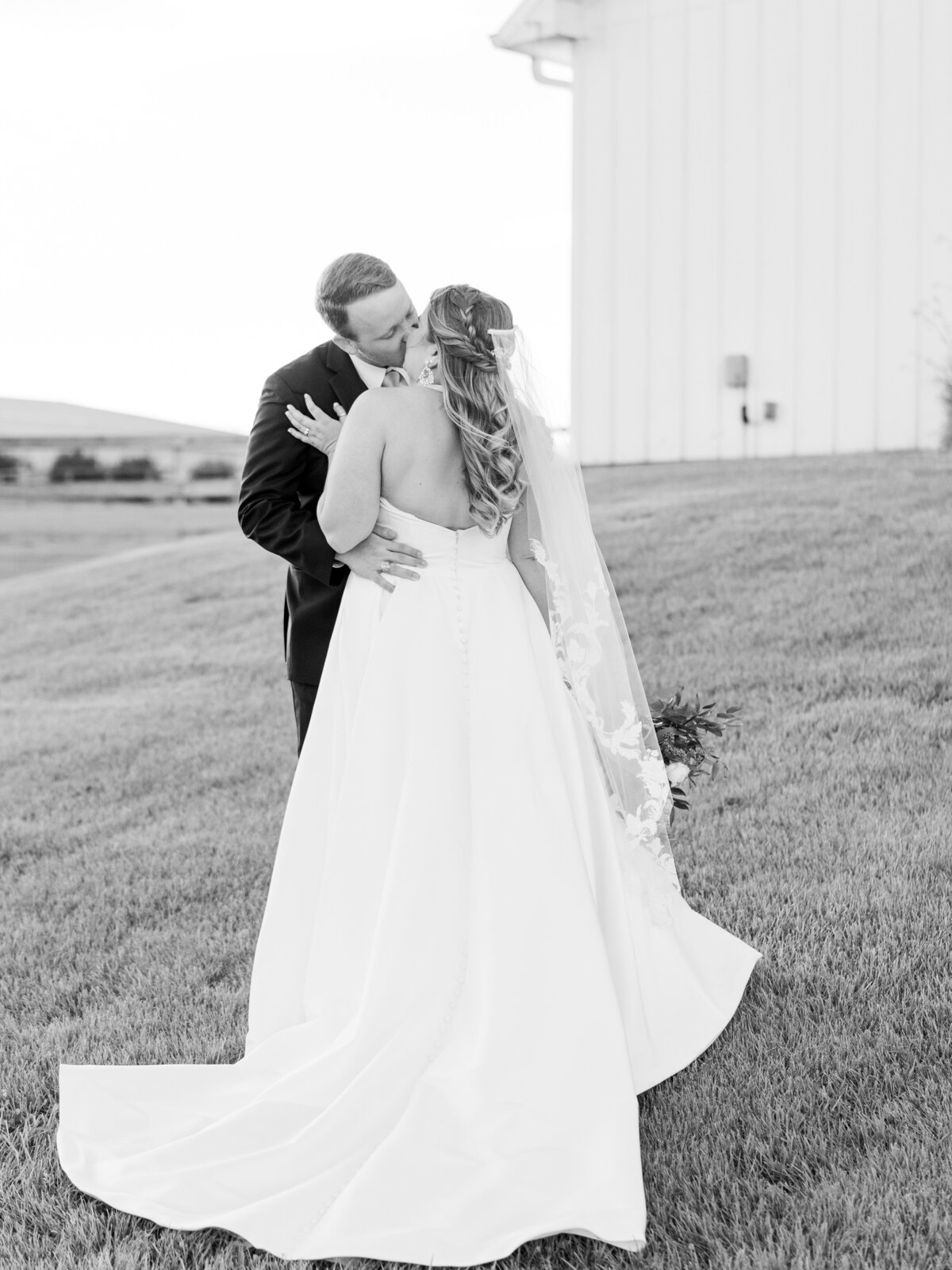 the-farmhouse-wedding-houston-texas-wedding-photographer-mackenzie-reiter-photography-90