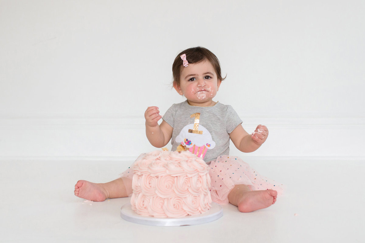 St-Louis-Studio-Child-Photographer-Cake-Smash-1-year-old-Sheth_55