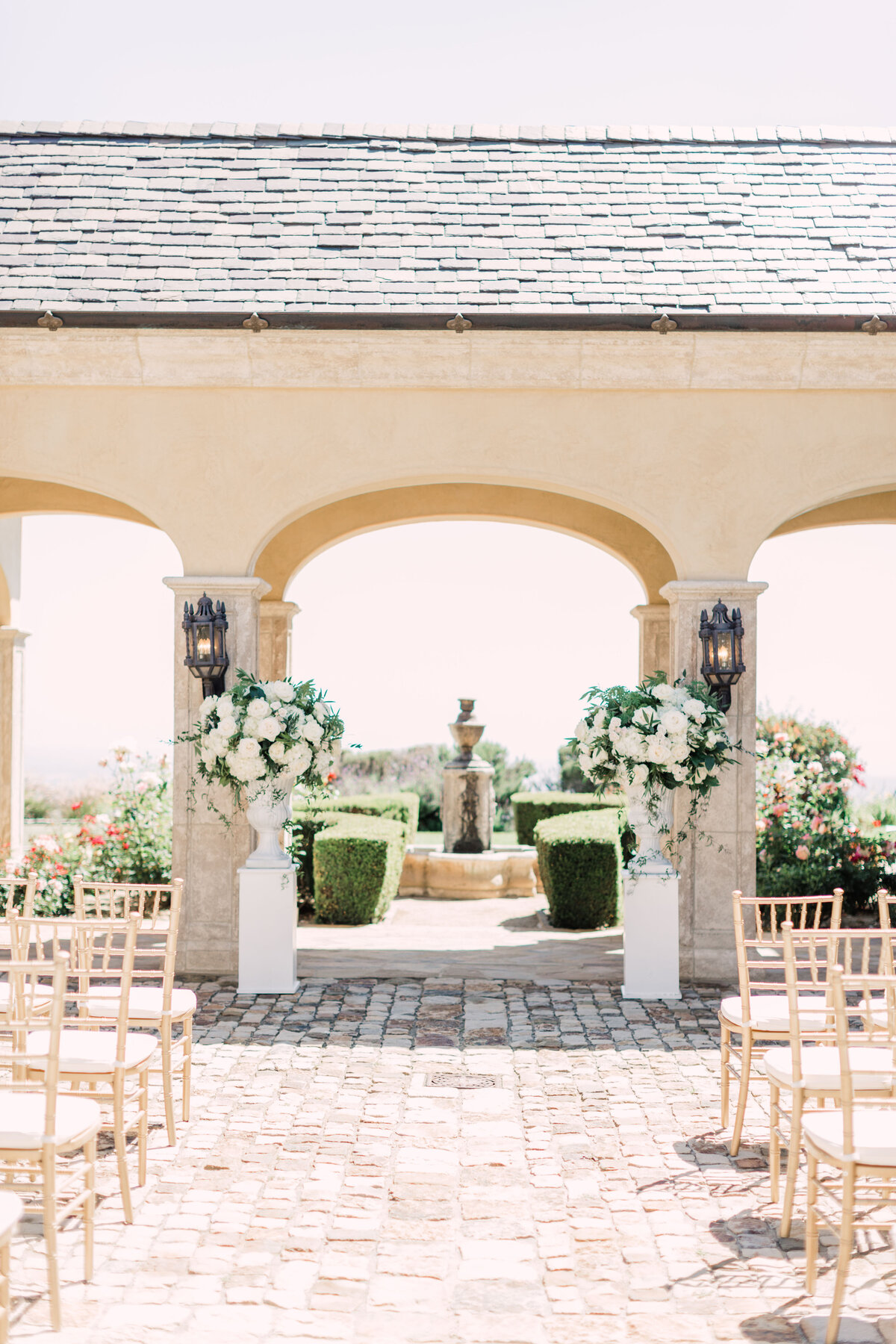 269_Ekpre_Olomu_Hidden_Castle_Estate_Wedding_Rancho_Santa_Fe_California_Devon_Donnahoo_Photography