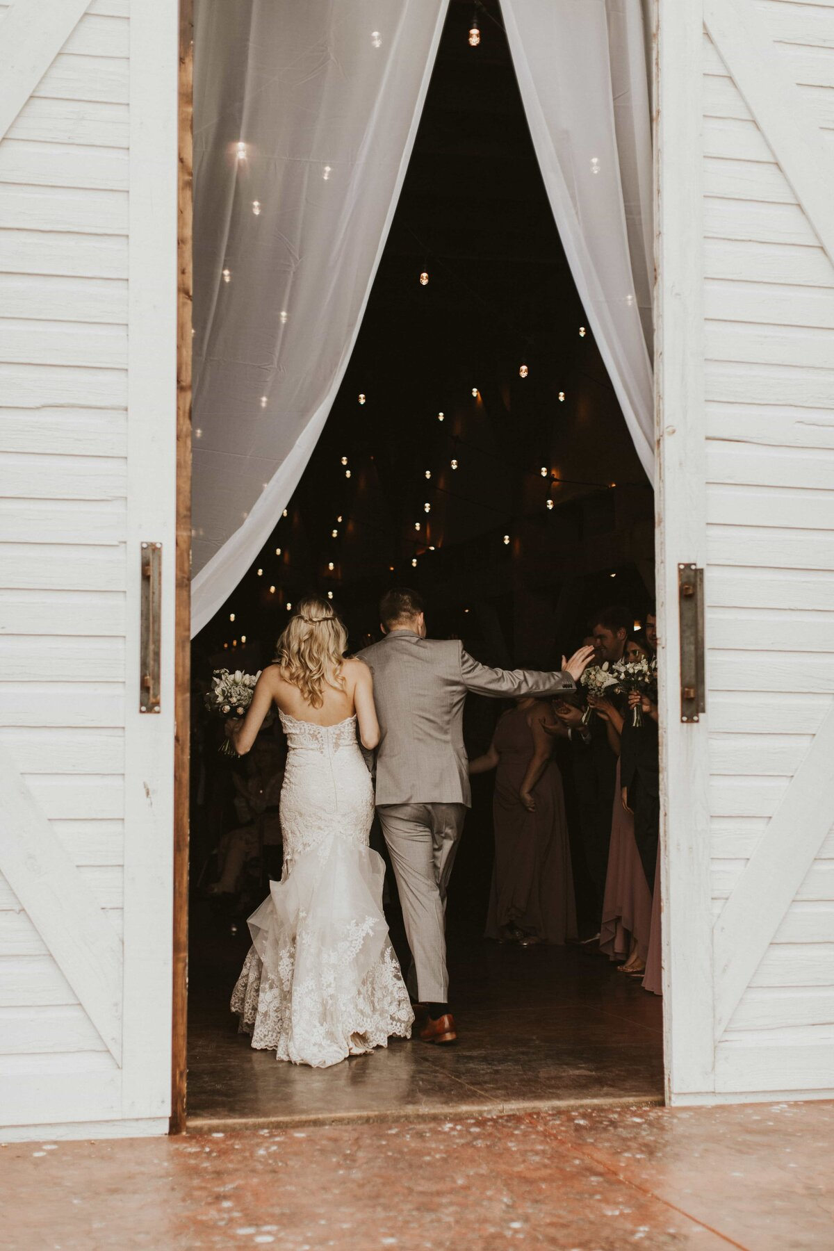 White-Barn-Estate-Romantic-Oregon-Wedding-664