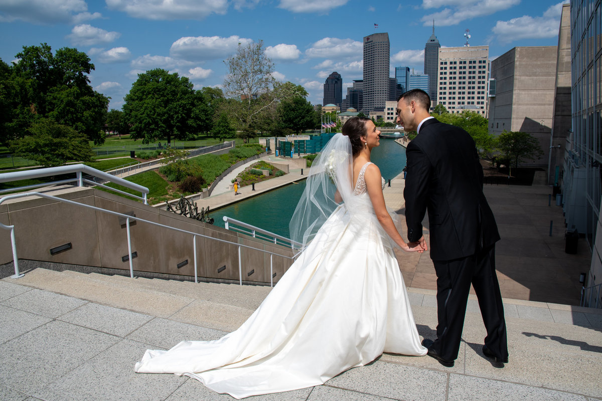 Indianapolis canal wedding