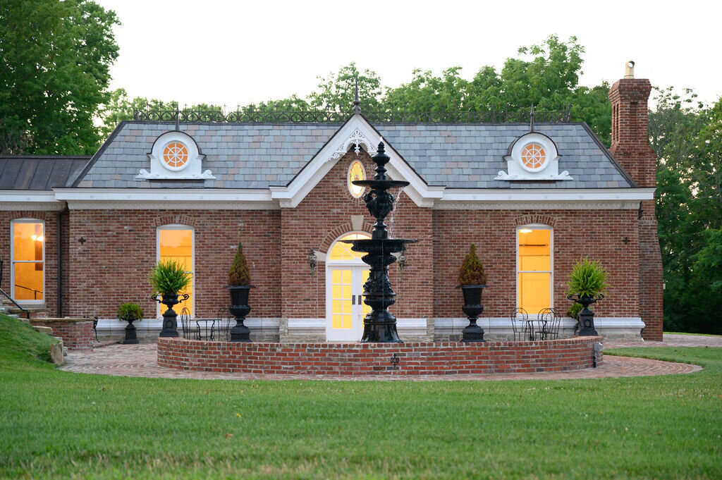 Lynwood Estate - Luxury Richmond Kentucky Wedding Venue - Elegant Estate Wedding 00039