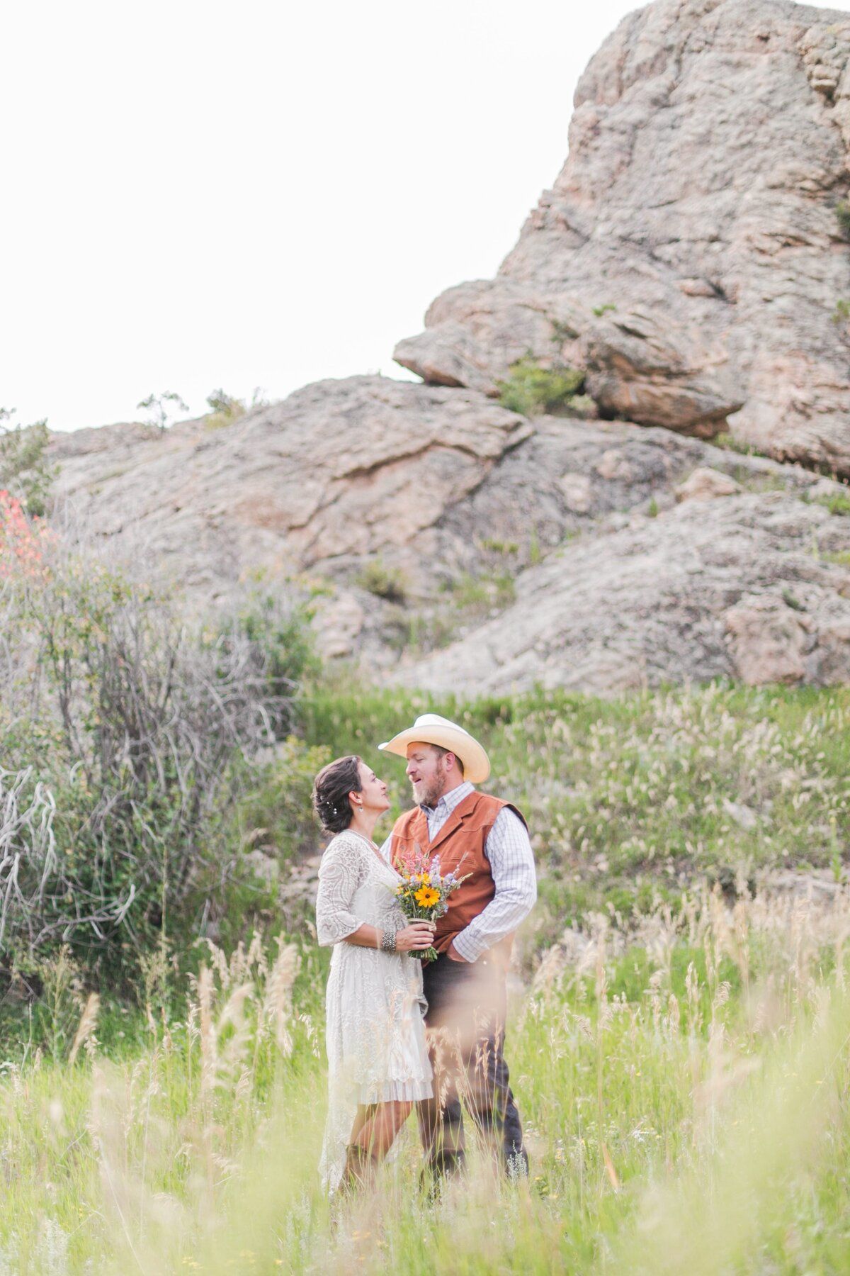 red-barn-golden-gate-canyon-colorado-rustic-wedding-mountains-farm-rocky-mountain-bride-0021