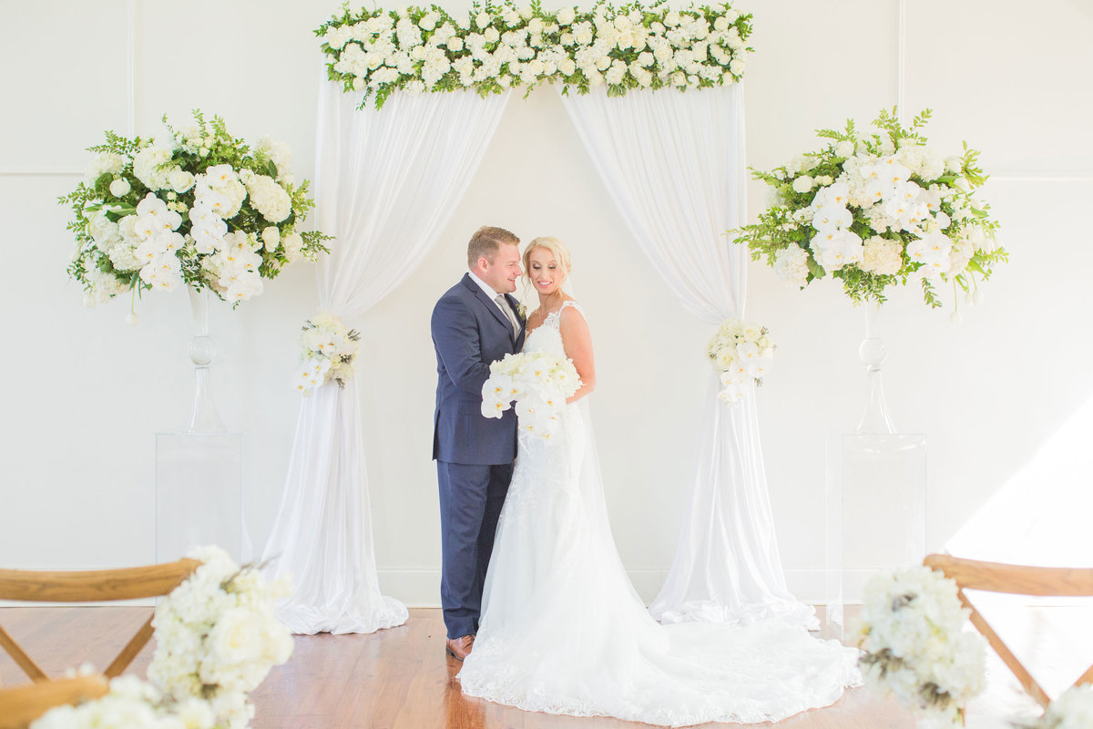 white-classic-mississippi-wedding-katelyn-anne