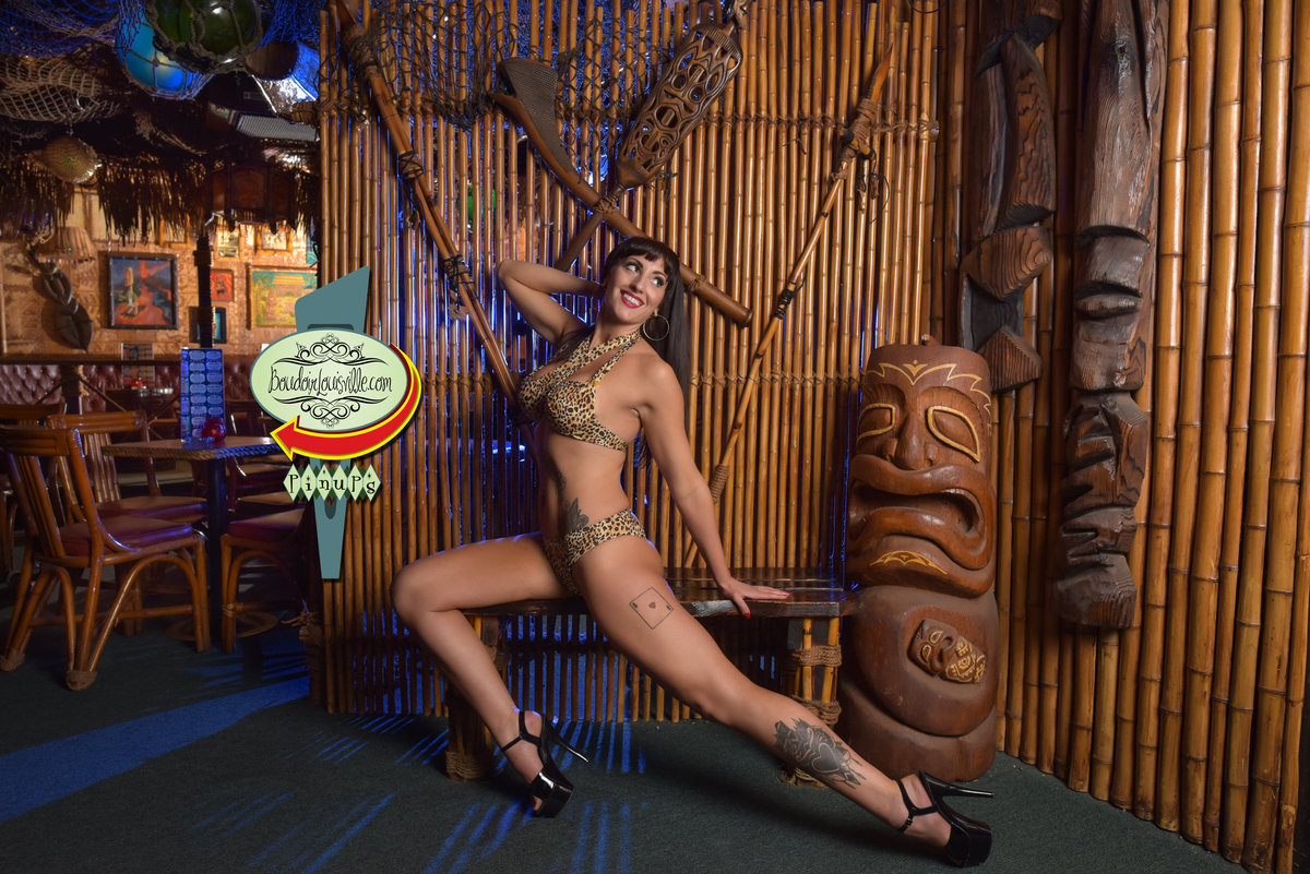 Boudoir Louisville - Las Vegas Pinup Girl Photography - Frankie's Tiki Bar-13 copy