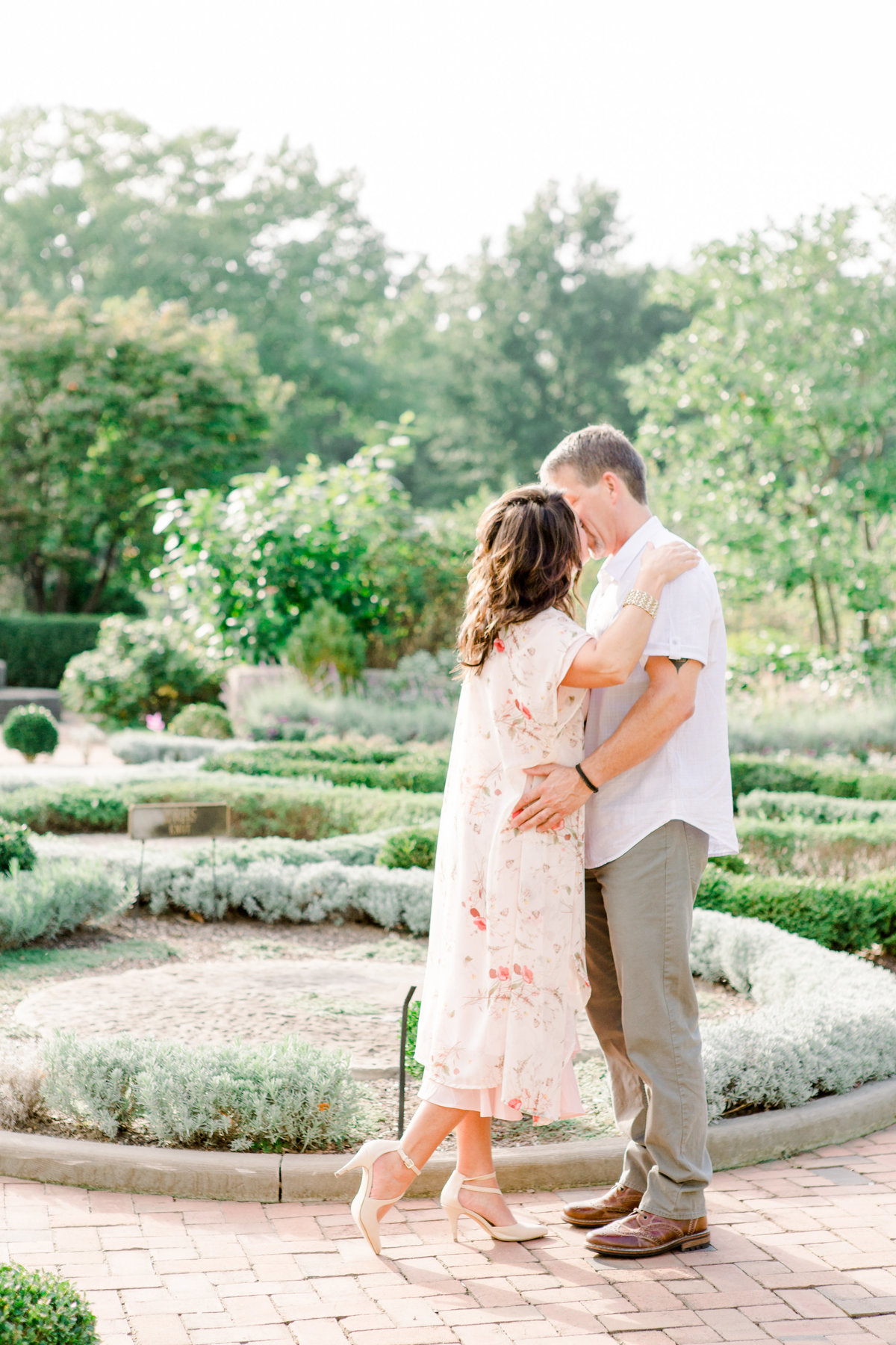 Cleveland-engagement-wedding-photographer-botanical-garden-museum-of-art011