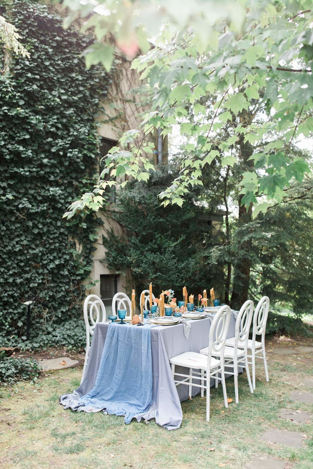 dusty-blue-and-rust-wedding-table