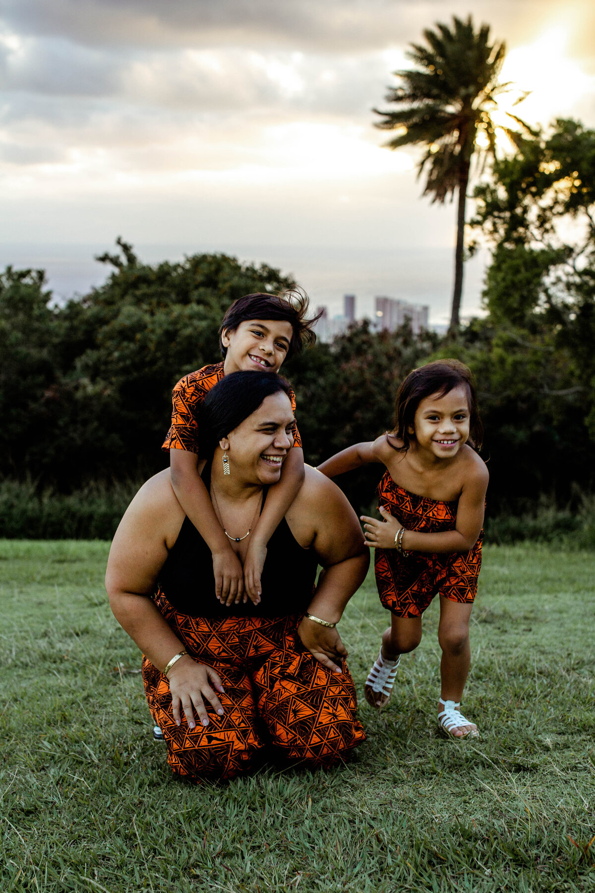 Oahu Family Photographer | Iwalani Photography | Tantalus