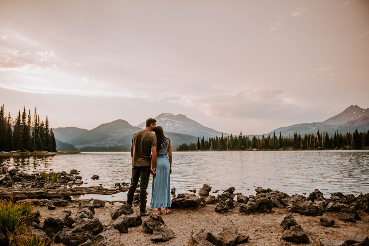 sparks-lake-oregon-couple-photographer-elopement-bend-lakes-bachelor-sisters-sunset-5679