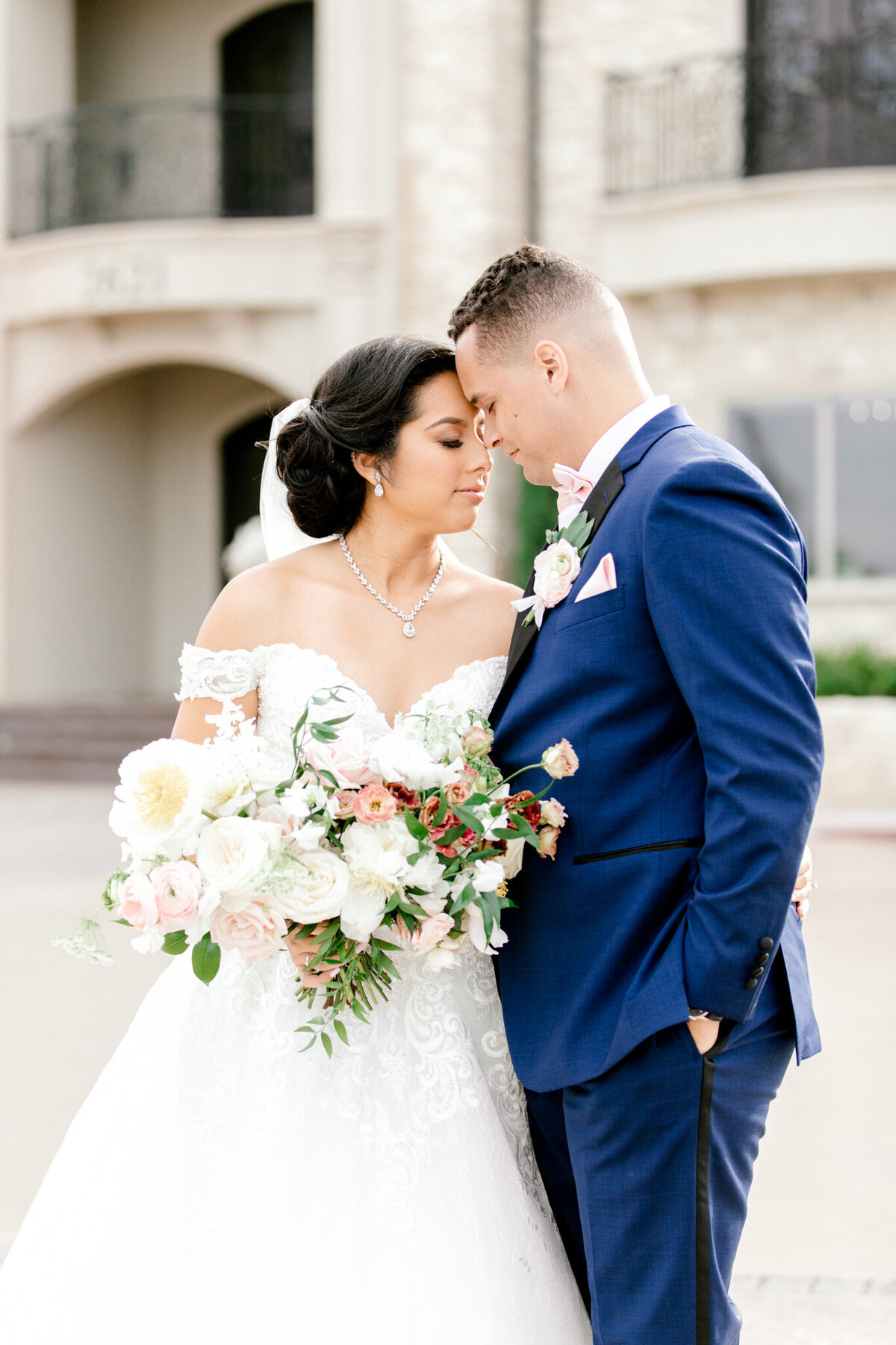 Jasmine & Josh Wedding at Knotting Hill Place | Dallas DFW Wedding Photographer | Sami Kathryn Photography-91
