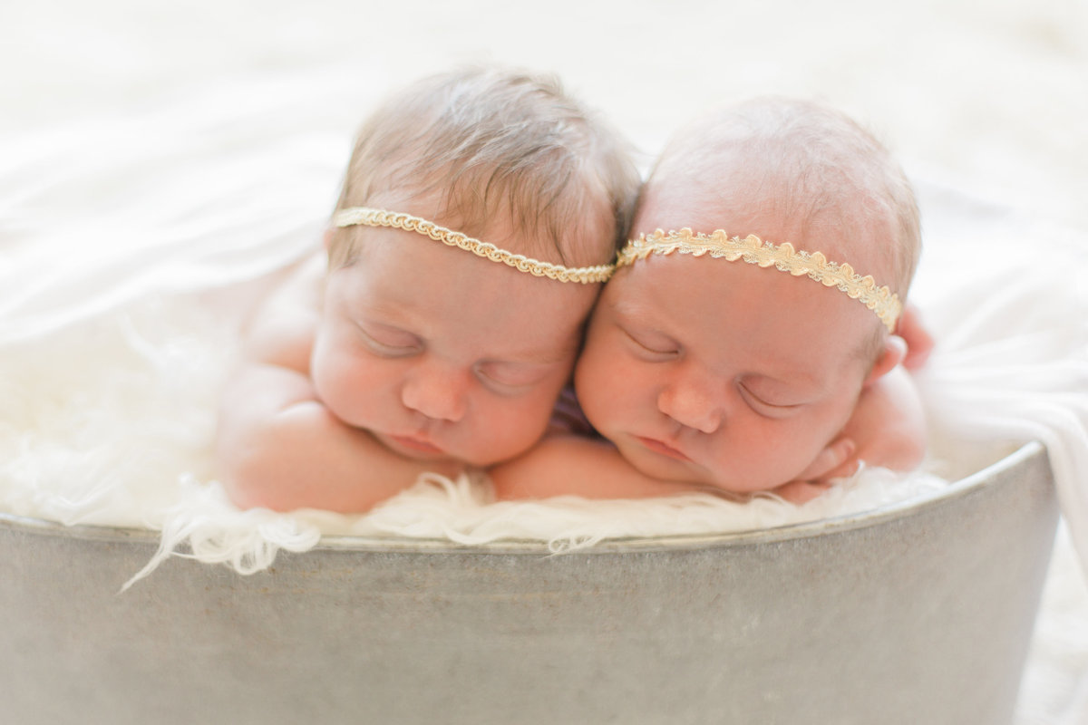 Los_Angeles_Newborn_Photographer_Twins_Christine Sara16