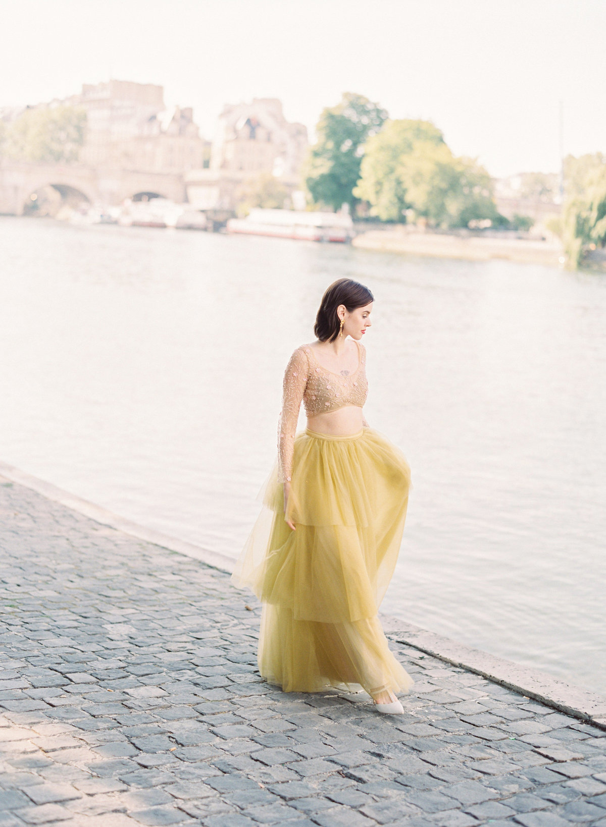 destination wedding photographer paris the lourve amelia soegijono 002