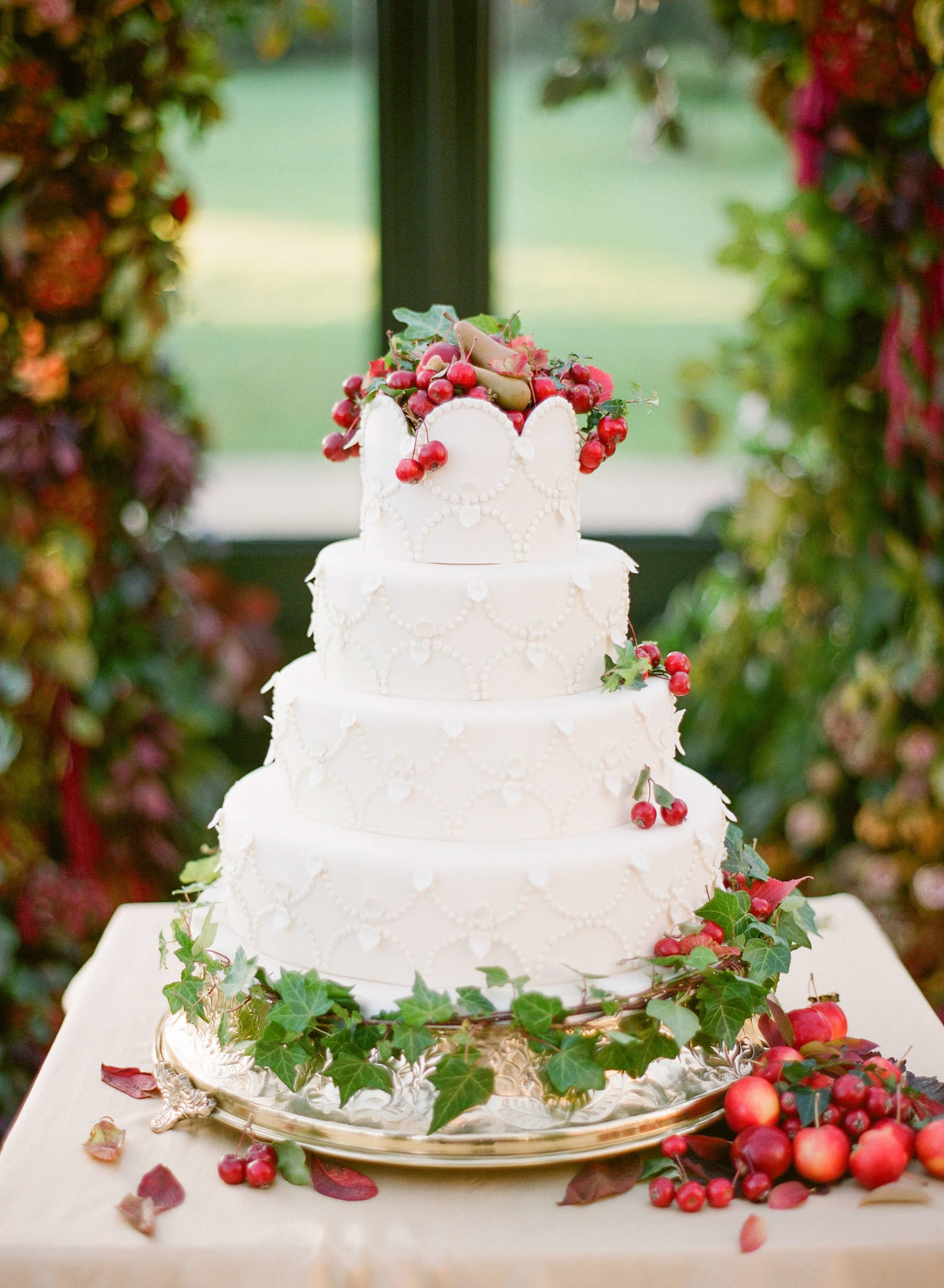 74-KTMerry-wedding-cake-strawberries-Ballyfin-catering