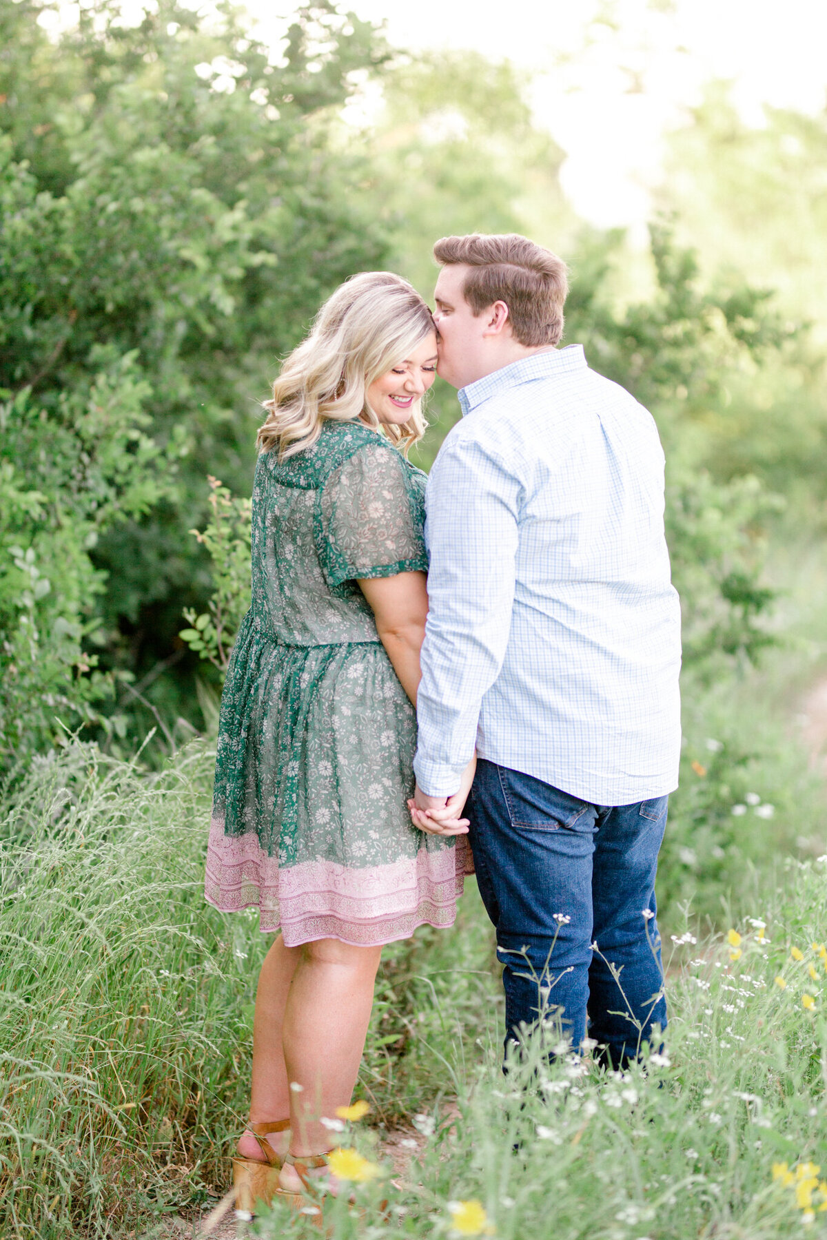 Maddie & Chris Engagement Session at Tandy Hills Natural Area | Sami Kathryn Photography | Dallas DFW Fort Worth Wedding and Portrait Photogapher-30