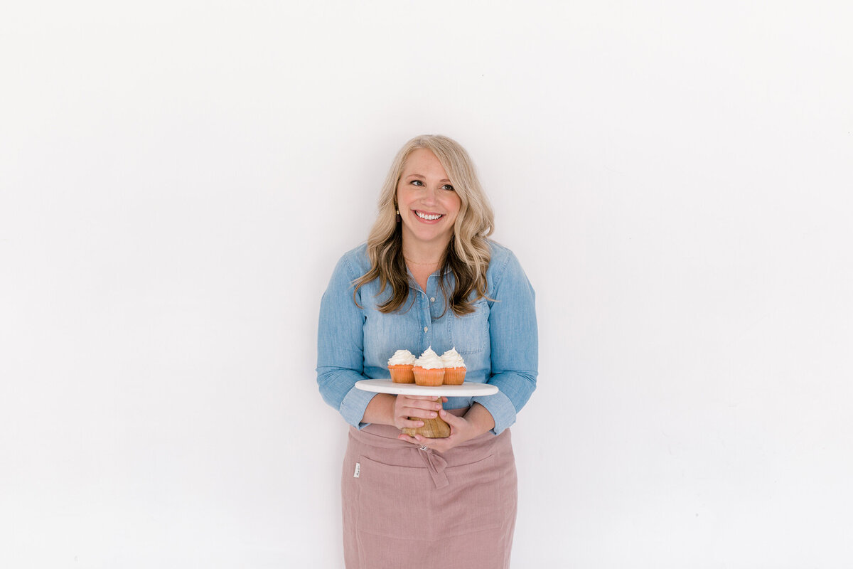 Dallas Brand Photography for Creatives | Laylee Emadi | Catie Ann Baking | Brand Mini Session 44