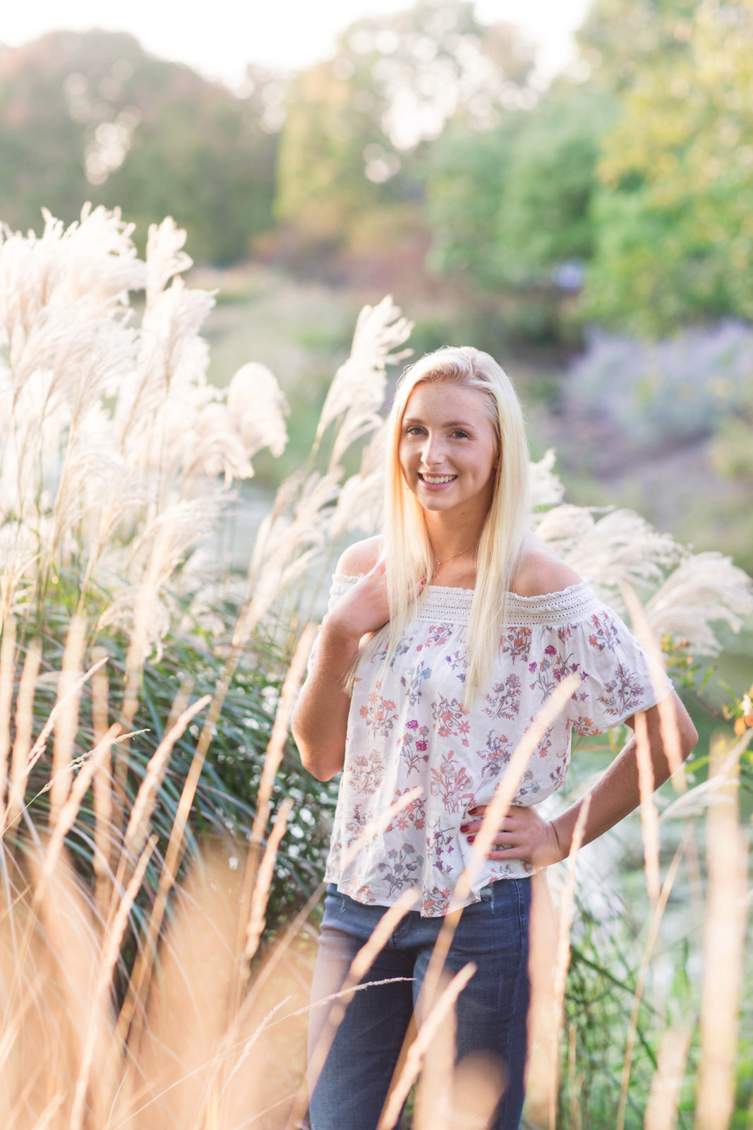 L Photographie high school senior photos fall Forest Park 44