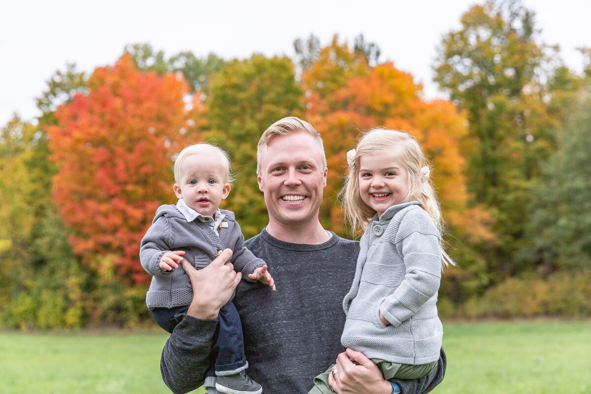 ottawa-fall-family-photographer-grey-loft-studio-29