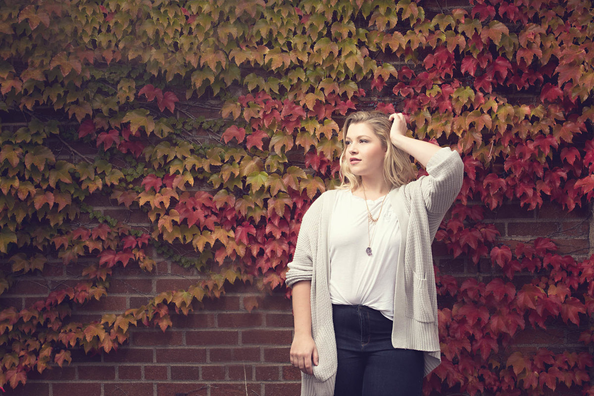 fall leaves senior pictures