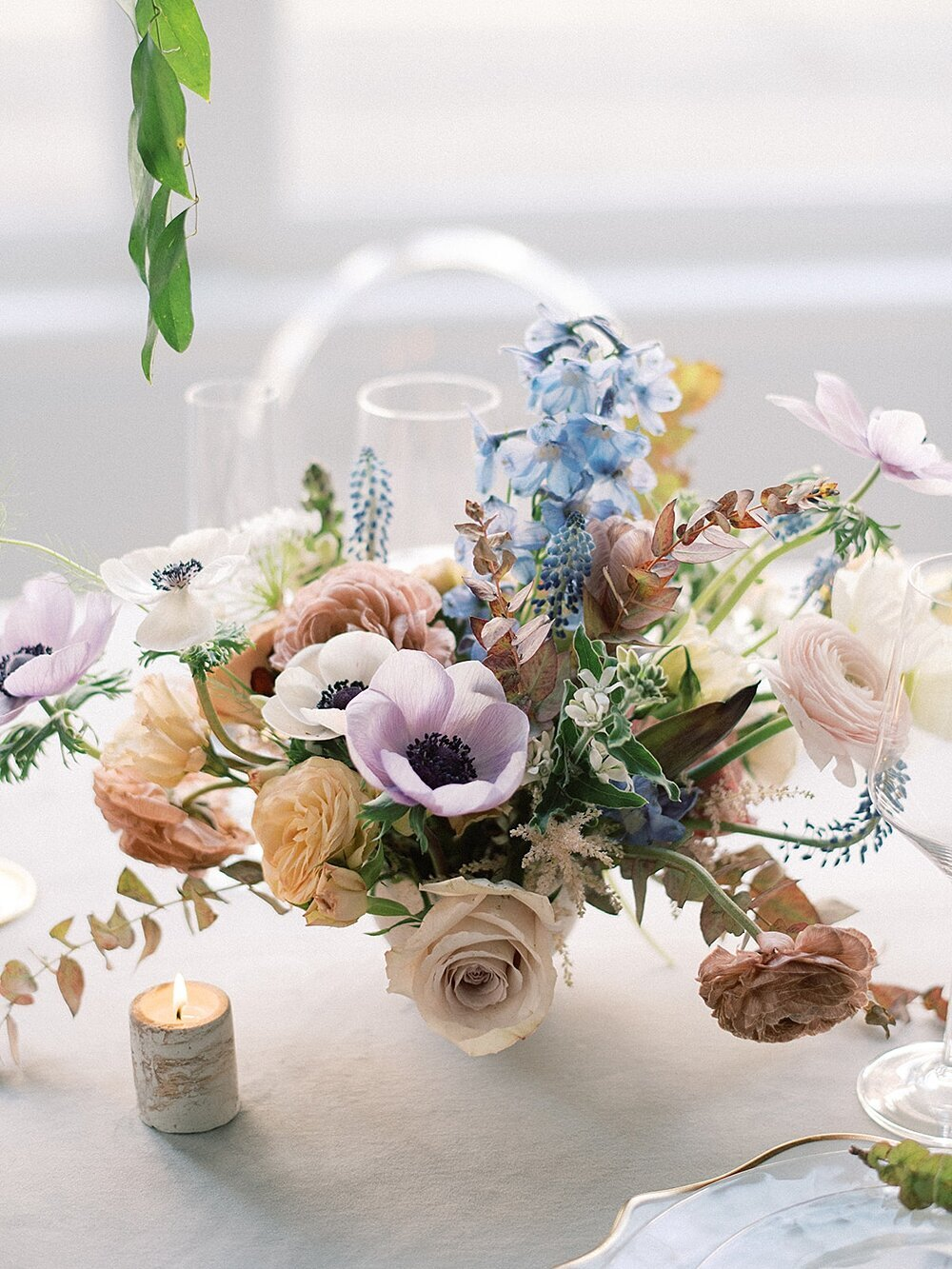 Modern-love-event-leigh-and-mitchell-blue-purple-mauve-floral-centerpiece