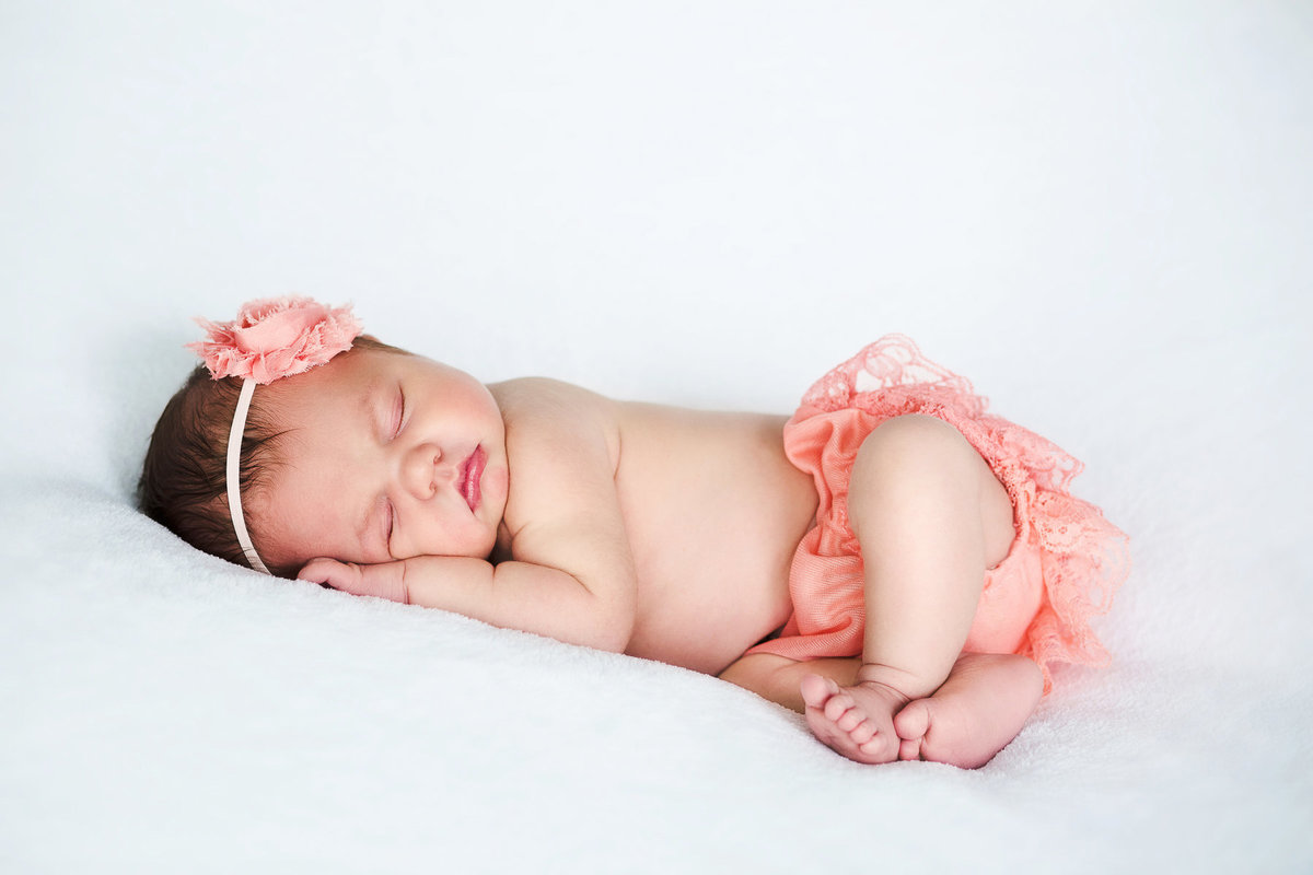 newborn-baby-girl-SHphotography-1