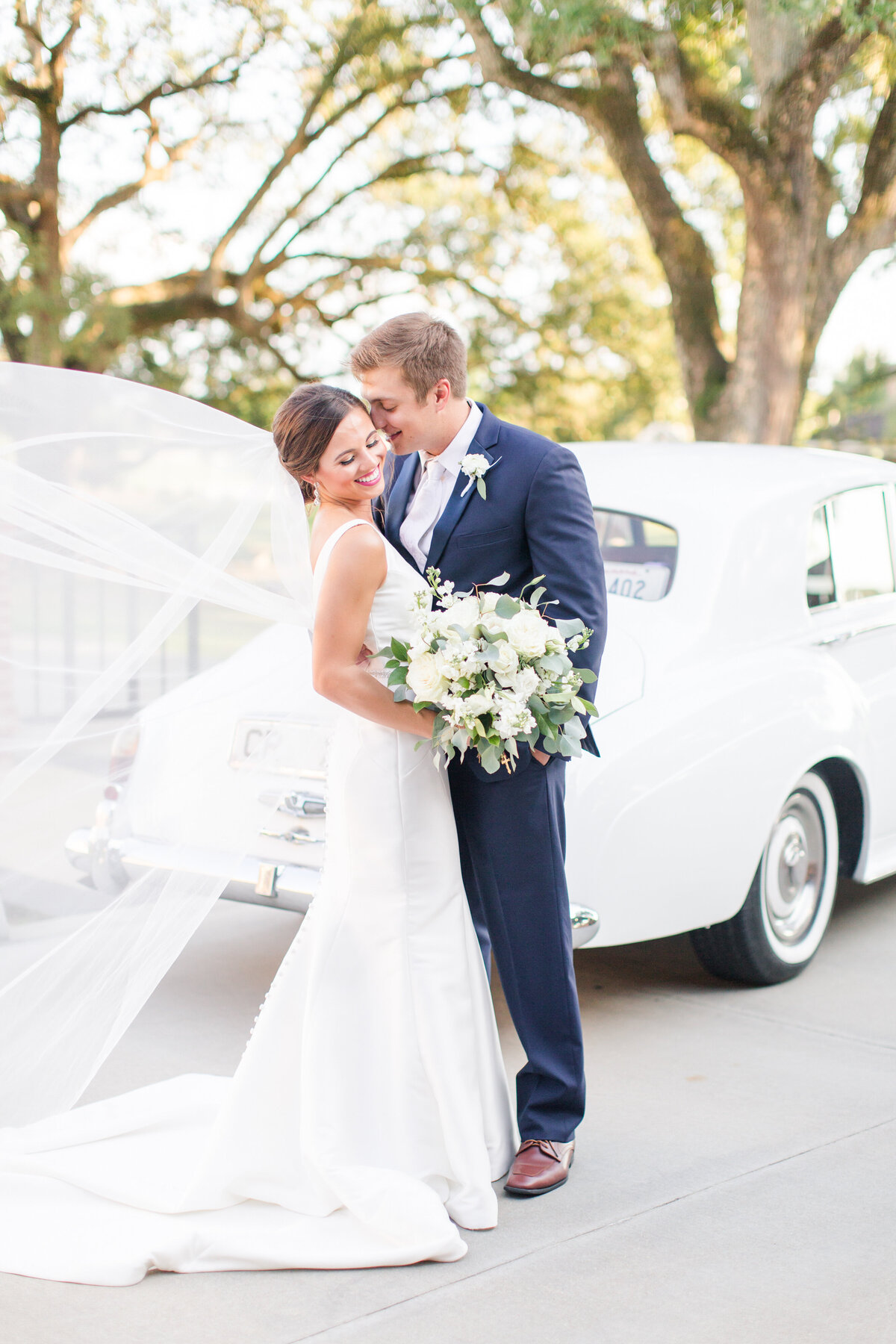 Renee Lorio Photography South Louisiana Wedding Engagement Light Airy Portrait Photographer Photos Southern Clean Colorful1