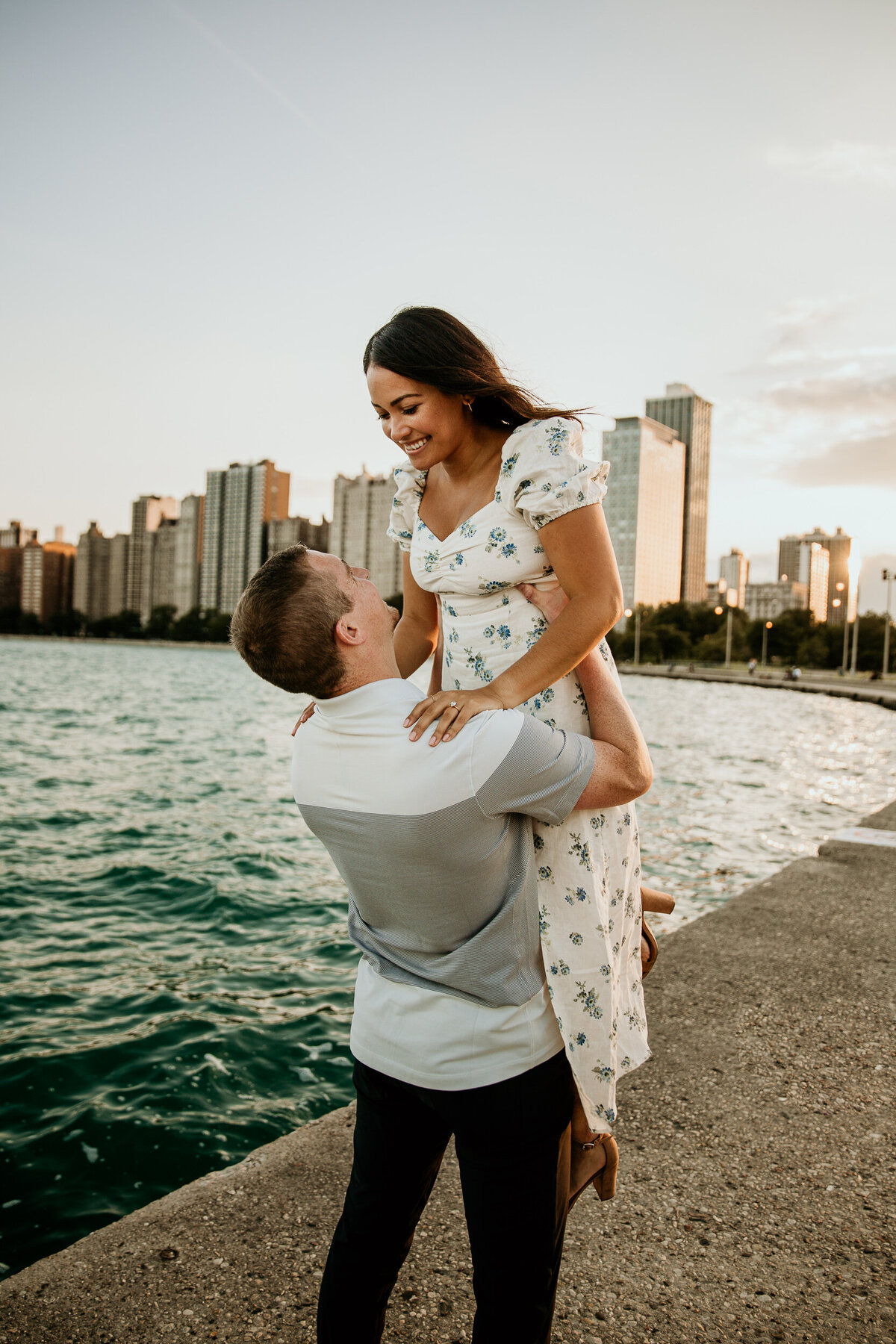 chicago-north-avenue-beach-couple-engagement-photos