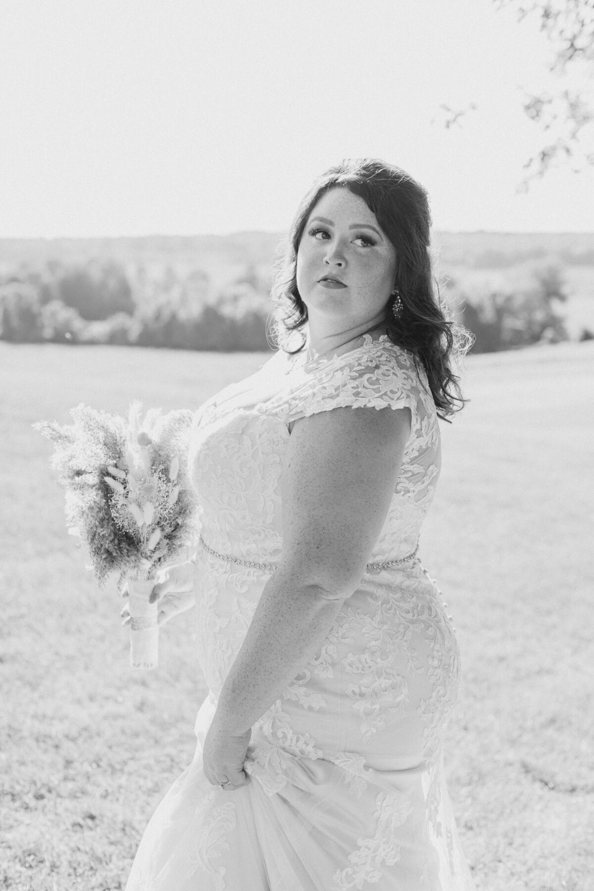 laura-ben-campbell-farm-white-lake-wedding-grey-loft-studio-2020-159