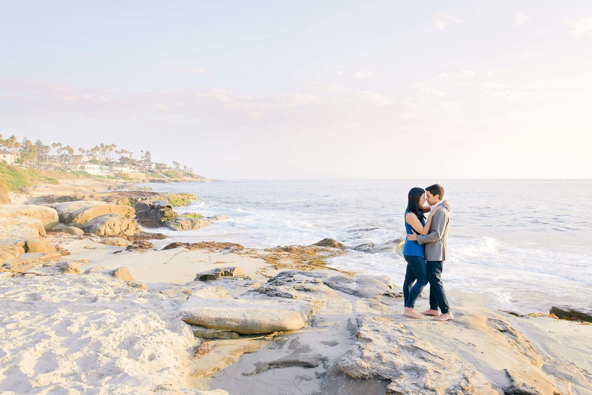 Babsie-Ly-Photography-Surprise-Proposal-Engagement-in-San-Diego-La-Jolla-Sunset-dreamy-beach-water-view-016