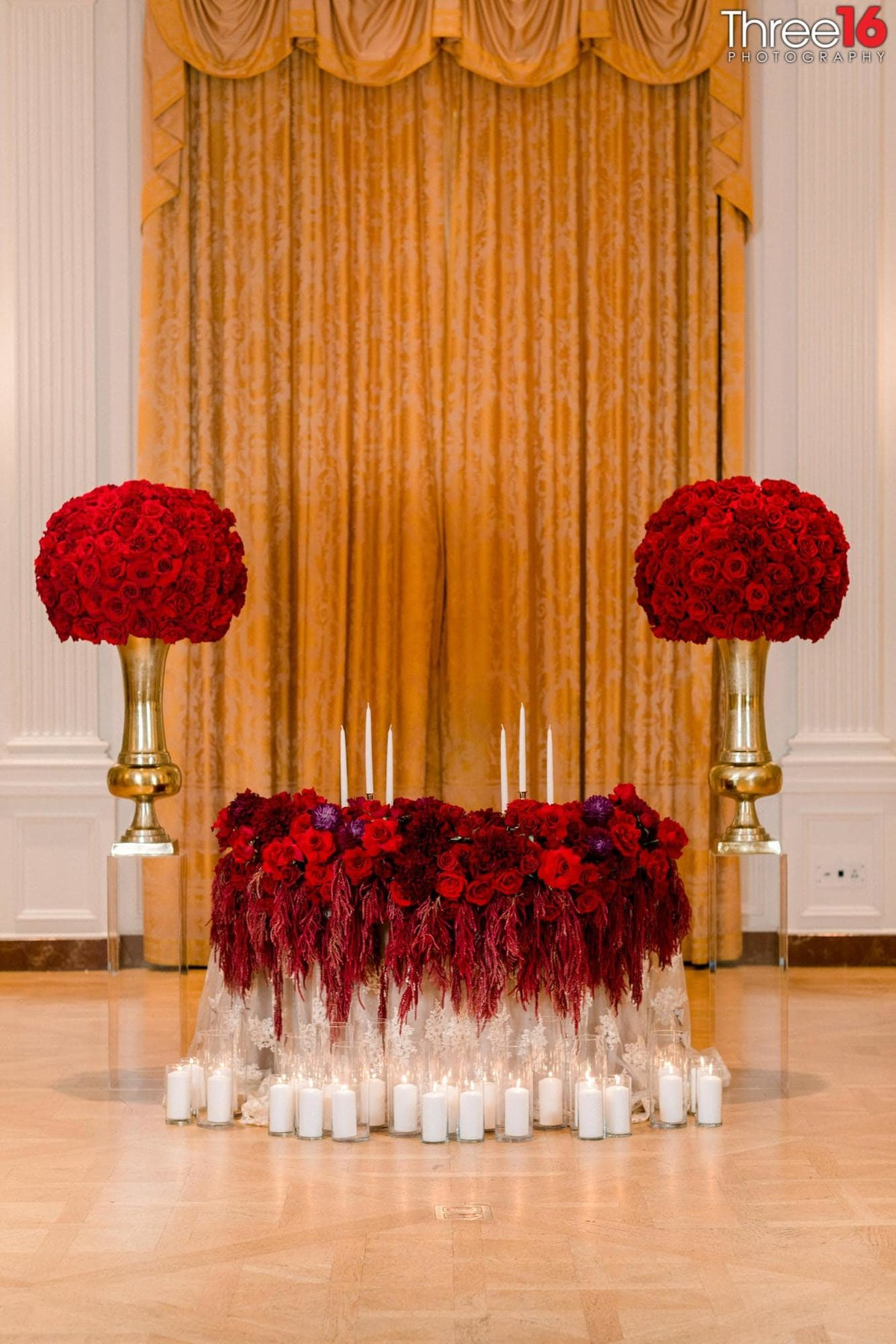 Amazing Sweetheart Table display for a wedding reception