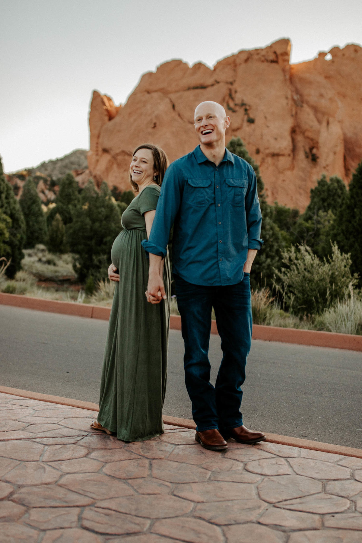 colorado-springs-garden-of-the-gods-sunrise-couples-adventure-session-colorado-elopement-photographer-17